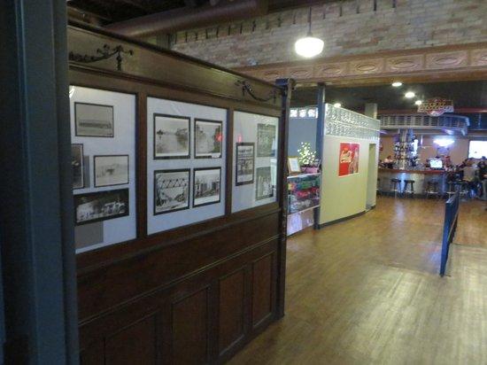 Whitey's Cafe: Rear entrance