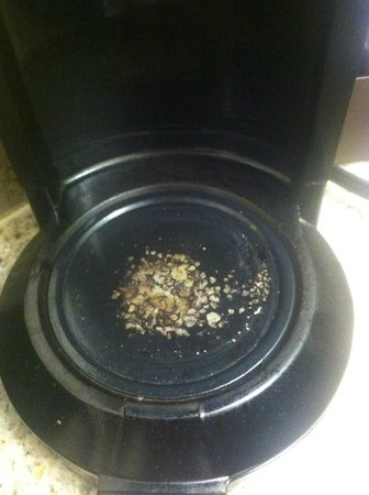 Cadillac Jack's Hotel & Suites: I'd rather not drink anything that touches this coffee maker!