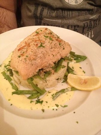 The Laurels Pub: Cub with mash potato and french beans
