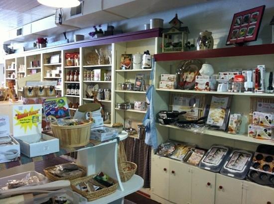 Ellicottville Country Store & Antiques: kitchen stuff