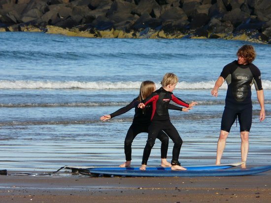 Northside Surf School: Quick bit of tuition from Jon on the shore