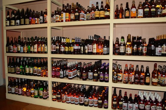 Hereford Cider Museum: A wide selection of ciders :-)