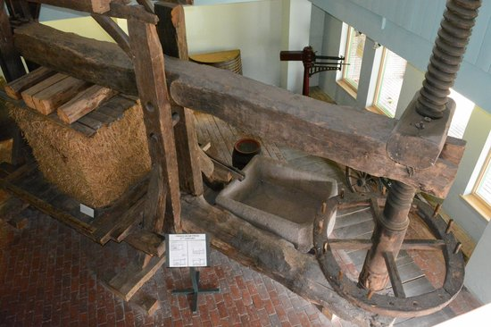 Hereford Cider Museum: An old cider press