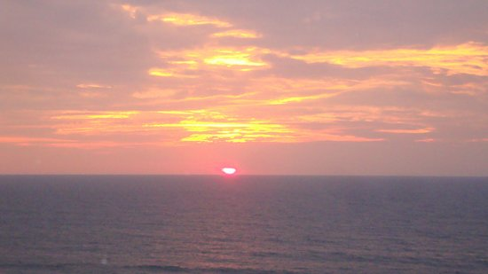 The Oceanfront Inn: Virginia Beach sunrise