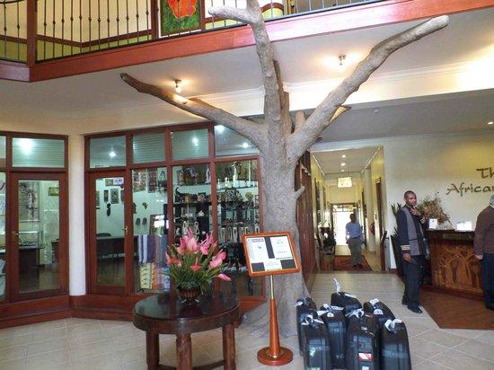 The African Tulip : reception area
