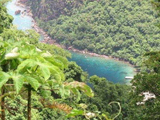 Fond Doux Plantation & Resort: View of Sugar Beach from Lamontagne Trail