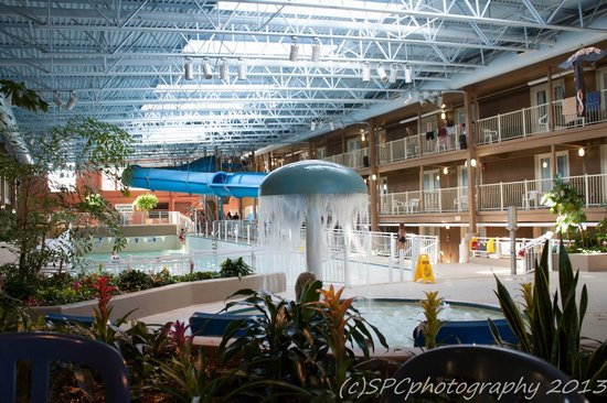 Wave Pool Area Picture Of Travelodge Ottawa West Ottawa Tripadvisor
