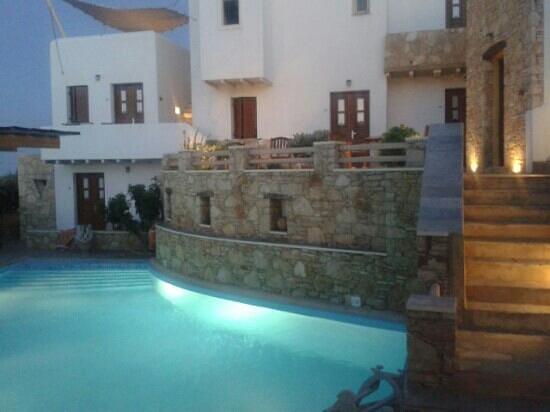 Kallisti Hotel: piscina