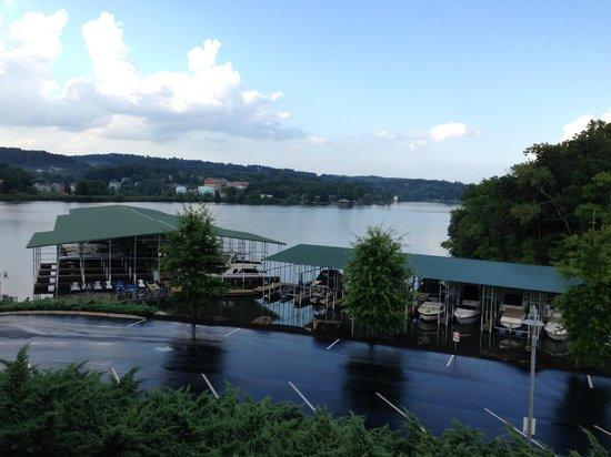 Lakeside Tavern: Lovely views...