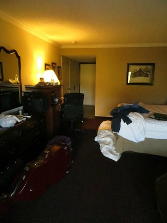 Best Western Plus Humboldt House Inn: Our messy room but still great