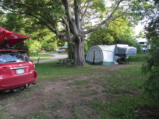 Tobermory Village Campground: Our campsite