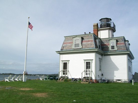 Rose Island Lighthouse: Lighthouse view