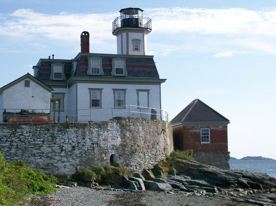 Rose Island Lighthouse: Side of Lighthouse