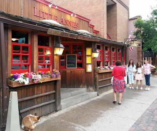 Little Annie's Eating House: Little Annie's