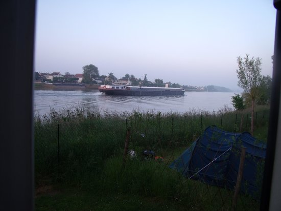 Camping Sandaya International de Maisons-Laffitte: View from our pitch