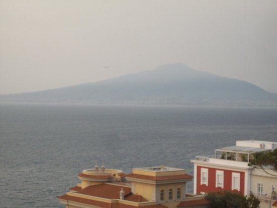Hotel Mediterraneo Sorrento: Mount Vesuvius from my balcony