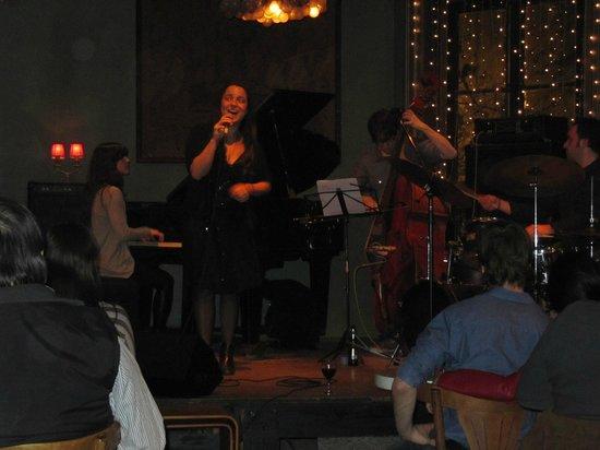 Thelonious Jazz Club: Barbie Martinez