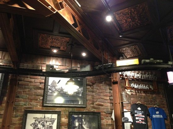 Industrial Revolution Eatery & Grille: Interior - Train running along ceiling