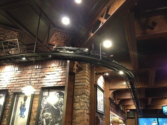 Industrial Revolution Eatery & Grille: interior shot