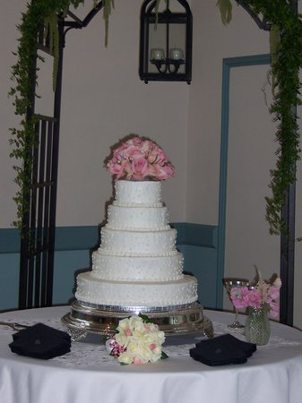 Smithfield Gourmet Bakery and Cafe: more wedding cakes