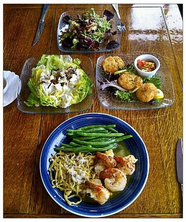 Panache: Stuffed Prawns, Crab Cakes small plate, Wedge butter lettuce salad w/blue chesse, and Roasted Be