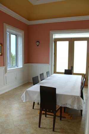 Cliffside B & B: Dining Room where Breakfast is served