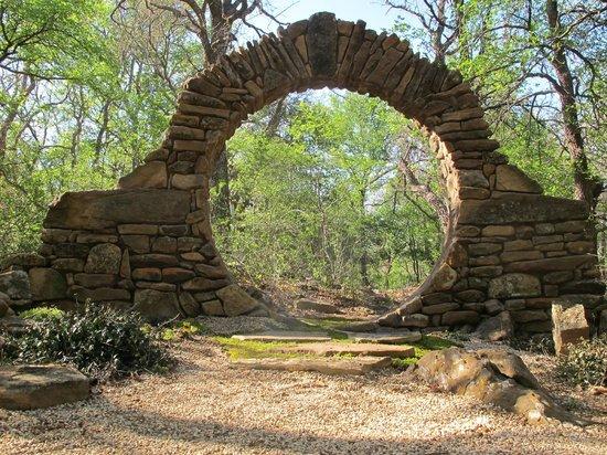 Star of Texas Bed & Breakfast: Moon Gate for ceremonies