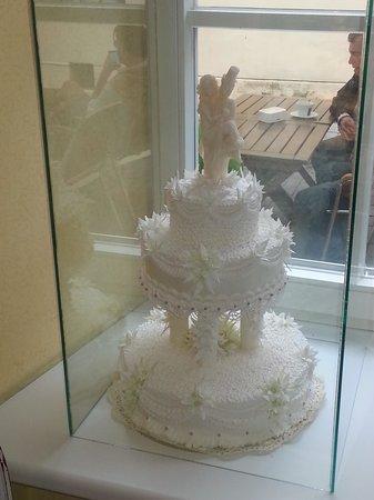 Poniu Laime Cafe: torta como para casamiento