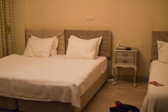Sokullu Pasa Hotel: 3人用ツインルーム