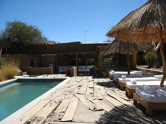 Hotel Noi Casa Atacama: Área de piscina