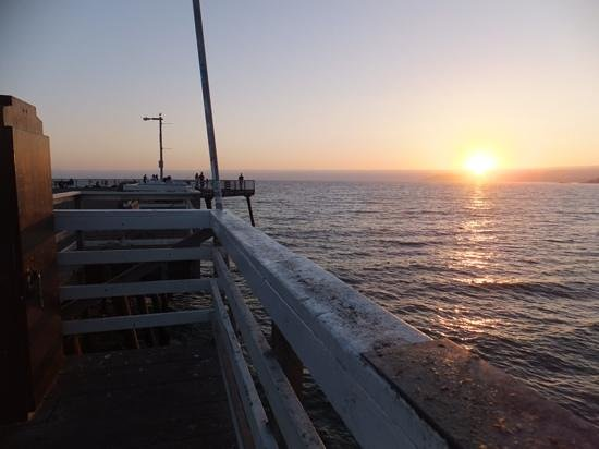 Pismo Lighthouse Suites : sunset from pismo pier