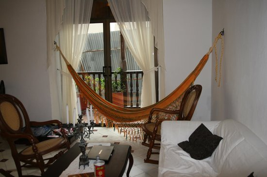 Alfiz Hotel : hammock in room alongside balconey