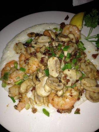 Crook's Corner : shrimp & grits