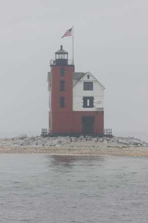 Shepler's Mackinac Island Ferry: Round Island Lighthouse
