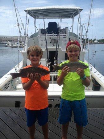 Linda D Sportfishing: Holding up snapper caught off Key West