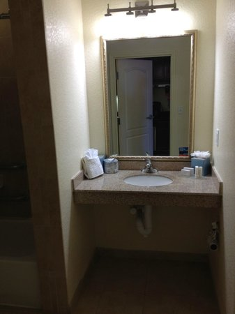 TownePlace Suites San Antonio Northwest: Handicap Bathroom