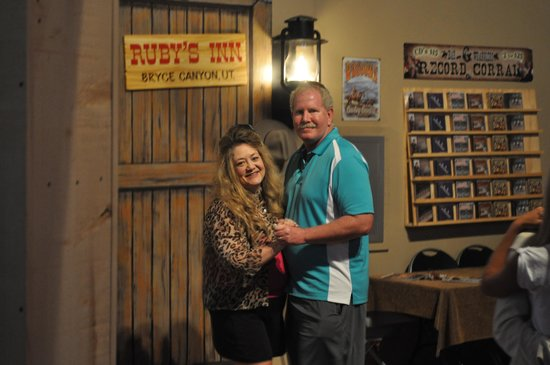 Ebenezer's Barn & Grill : Dancing in the corral