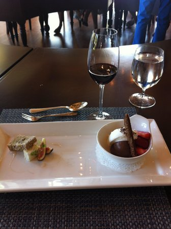 St. Francis Winery and Vineyards : Cheese and chocolate served together