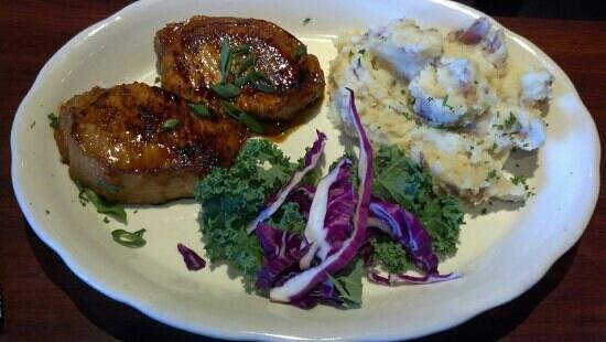 The Northern Pines Restaurant: pork chops taste as good as they look!