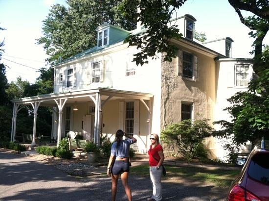 Hostelling International - Chamounix Mansion: main house