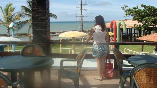 Hotel Costa Cabralia : Vista do salão ,ou melhor da sacada ,onde se faz o café da manhã.