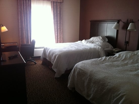 Hampton Inn Sudbury: Room