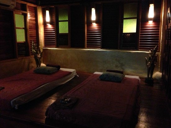 Charm Churee Villa: Spa room