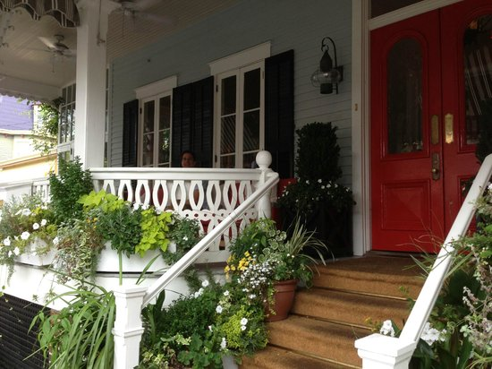The Virginia Hotel : Front Porch