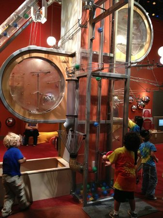 Liberty Science Center: iExplore - 2-5 year old exhibit at LSC