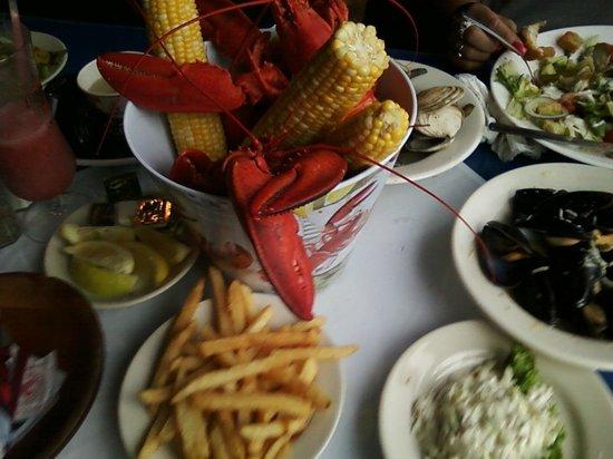 Lobster Boat : Family Feast