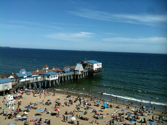 Beach Villa Motel & Cottages: View of OOB Pier area from top of Ferris Wheel at Palace Playland