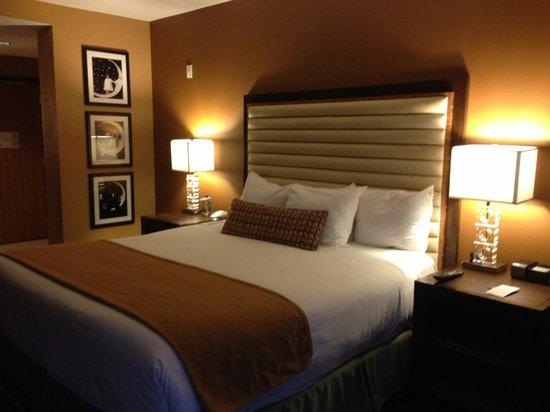 Moonrise Hotel: Room