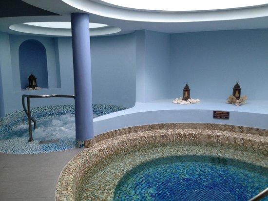 Iberostar Rose Hall Suites: whirlpool tubs at the spa