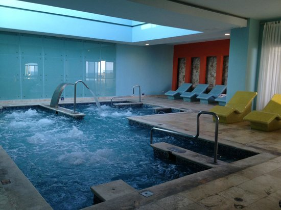 Iberostar Rose Hall Suites: The wellness pool at the spa